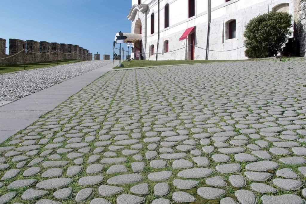 Acciottolato asolo grigliato in calcestruzzo pavimento nel verda pavimento per parcheggi pvimento filtrante grigliato in calcestruzzo pavimento da giardino pavimento nel verde albergo