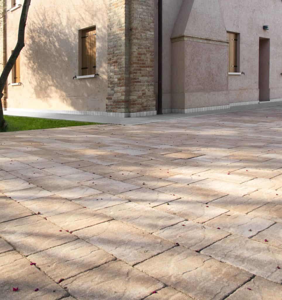 Borgo dOrcia Pavimento Casa privata anticato massello autobloccante sabbia