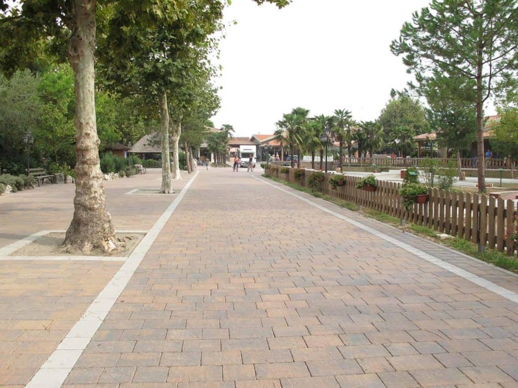 Borgo dOrcia Pavimento Villa Pavimento anticato massello autobloccante campeggio