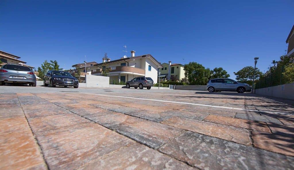 Borgo dOrcia Pavimento parcheggio Pavimento anticato massello autobloccante