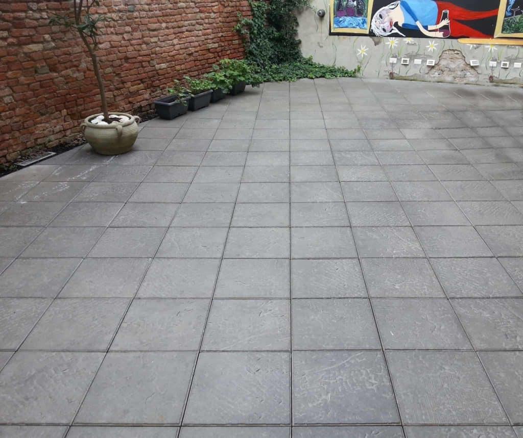 Piedra casa privata Lastra in calcestruzzo grigio pavimento galleggiante pavimento su piedini pavimento su supporti regolabili