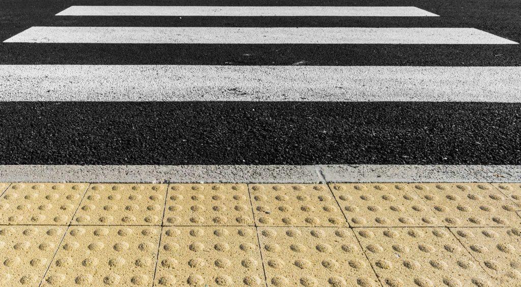linea tattile massello autobloccante pavimento per non vedenti Pavimento per esterni