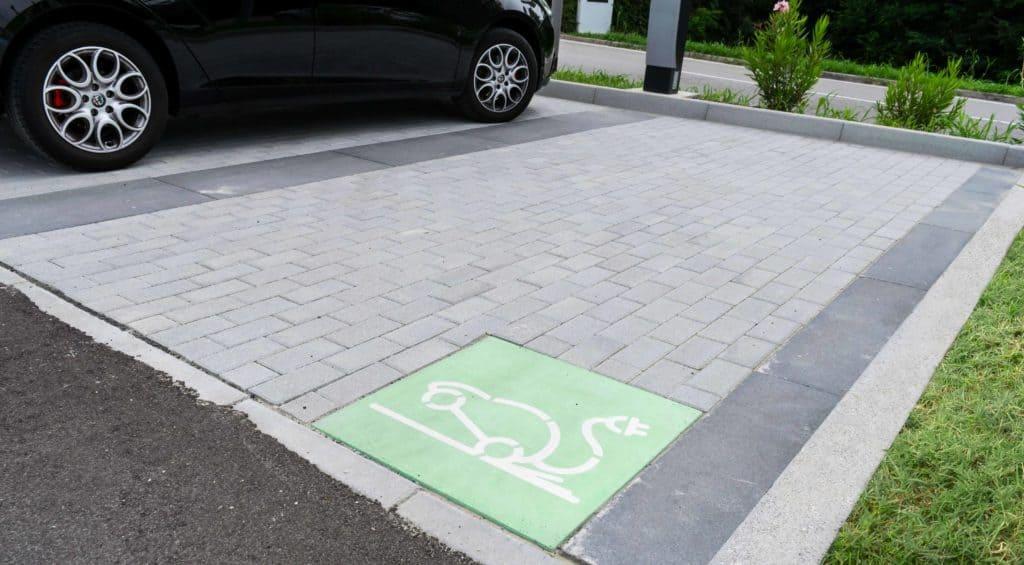 Modulo parcheggi auto elettrica
